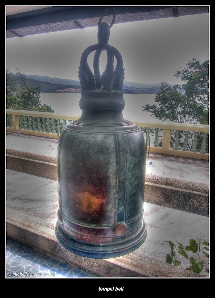 Michelle Meenawong: Temple Bell (HDR), 2012